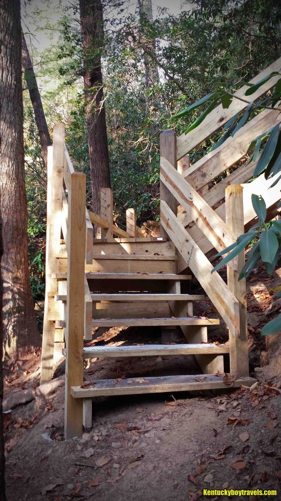 new-stairs-installed-on-sheltowee-trace-near-vanhook-falls-10-31-16