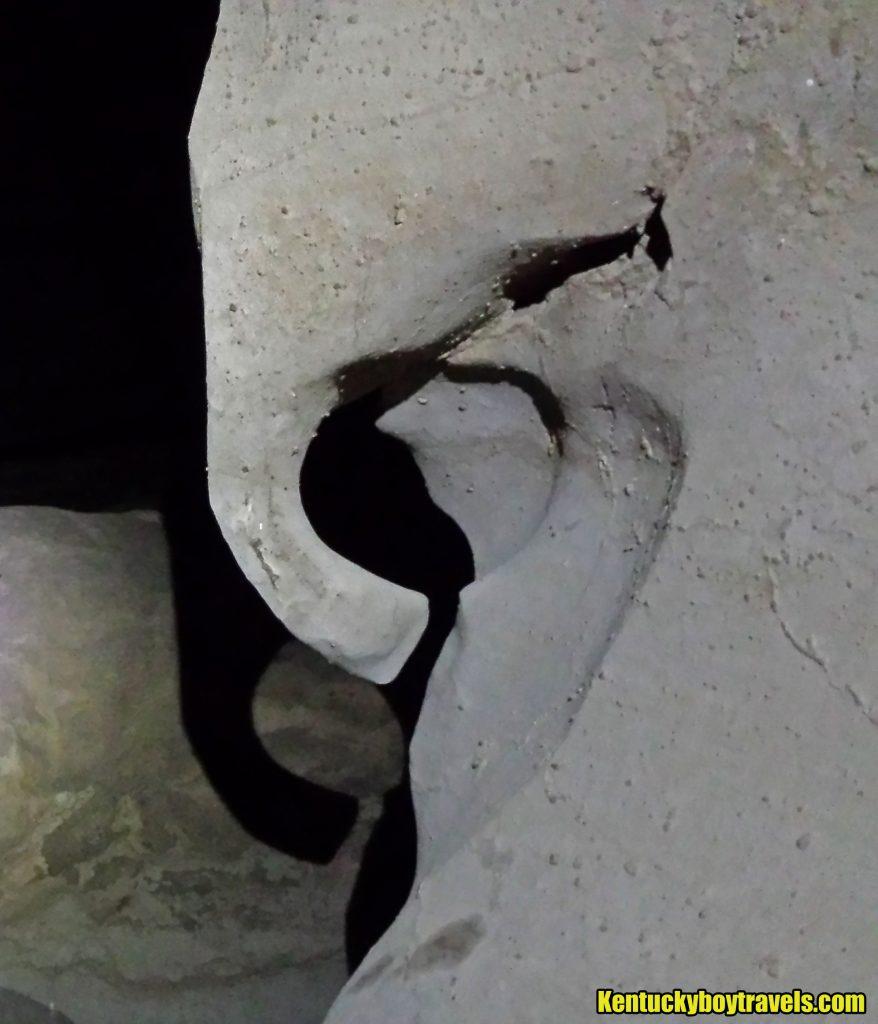 elephant-rock-inside-wells-cave-river-passage-10-29-16